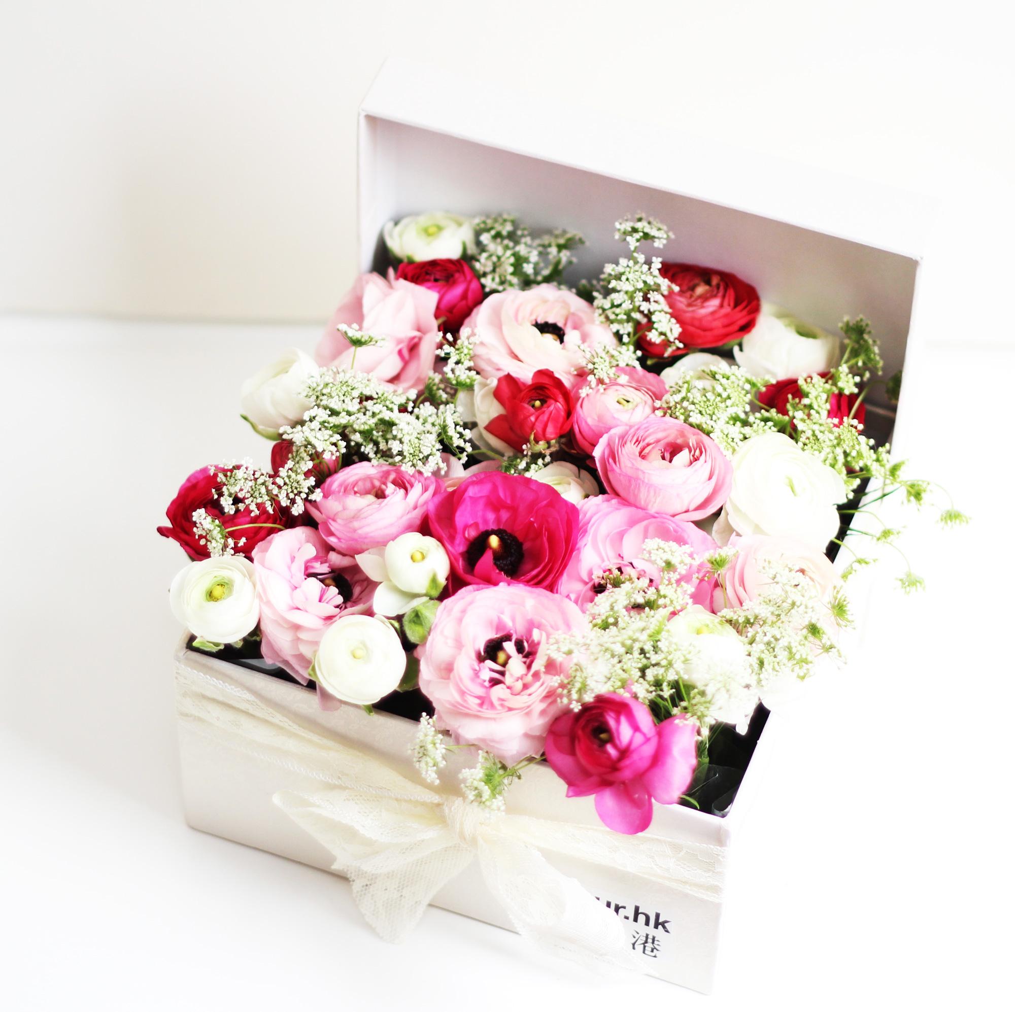 petit flower box ranunculus. Black Bedroom Furniture Sets. Home Design Ideas